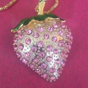 Gorgeous pink strawberry 🍓necklace/broach